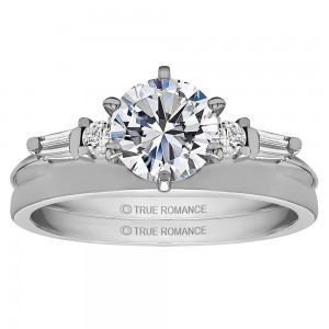 How to Choose Ring Enhancer that Complements Your Engagement Ring